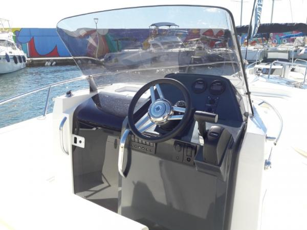 Open de 8 M - Ocqueteau Abaco 800 Open avec moteur 150 XSR ( 175 CV )