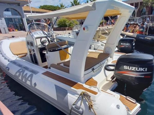 BWA 23 , semi rigide de 7 M avec moteur  225 CV