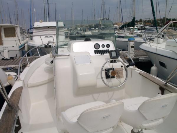 Key Largo 22 Open avec moteur Evinrude 200 CV E-TEC