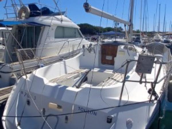 Baneteau Oceanis 300 - Année 1993 - Tres bien entretenu, pret a partir
